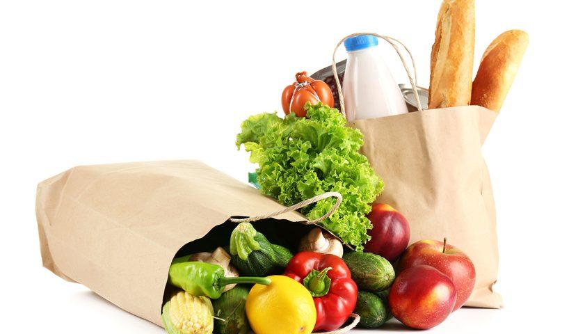 Lebensmittel in Papiertüten